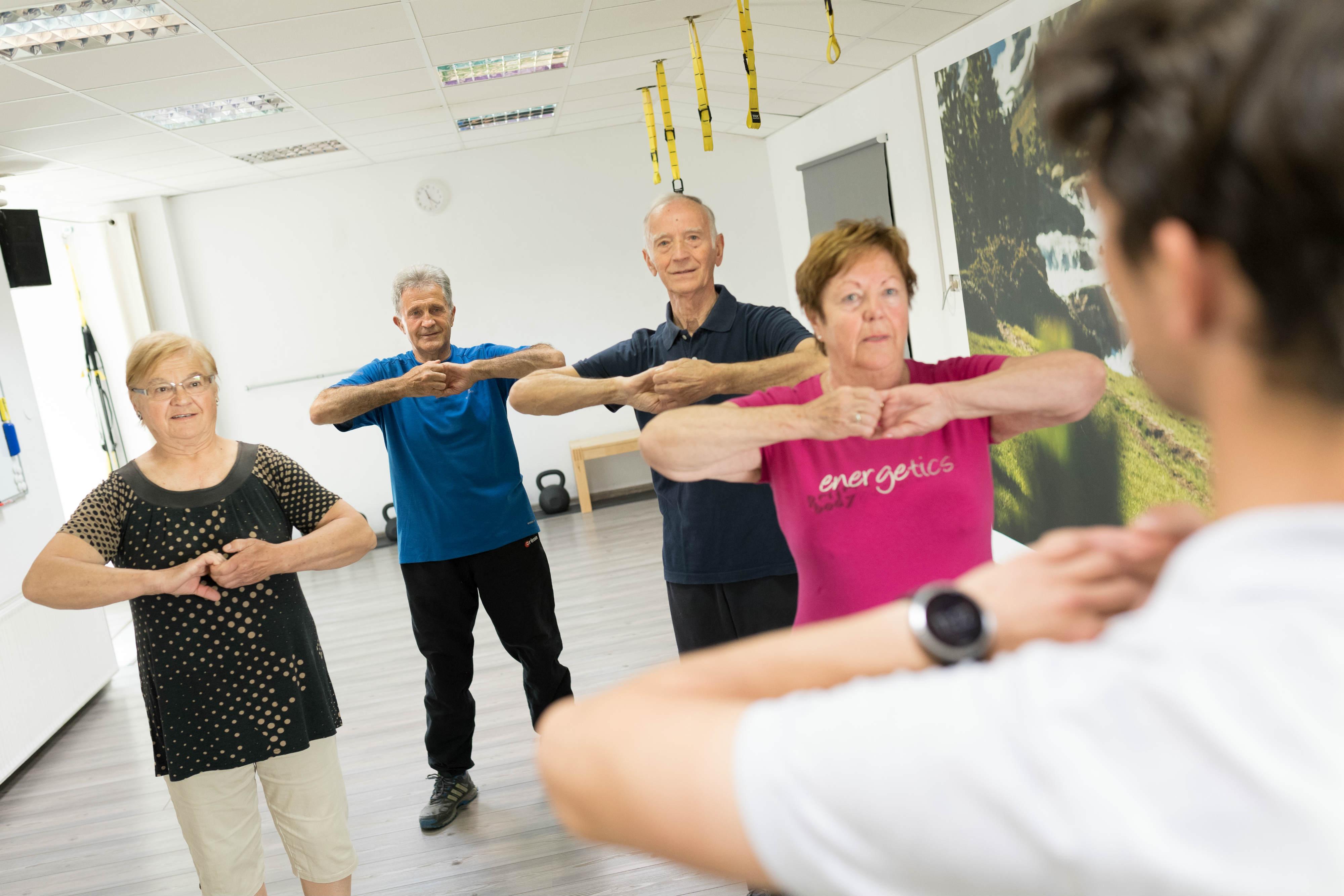 Ogrevanje-na-vadbi-za-starejše
