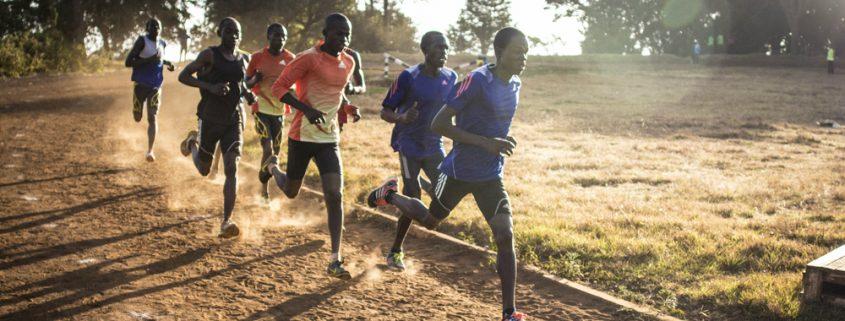 Tek po prstih ni nujno vedno optimalna tekaška tehnika za vsakega tekača. Pri izbiri optimalne tekaške tehnike je potrebno upoštevati več dejavnikov, kot le postavitev stopala.