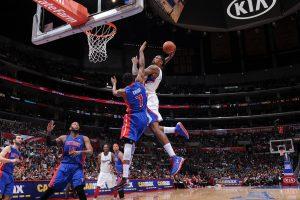 Zabijanje na koš na košarkarski tekmi NBA.