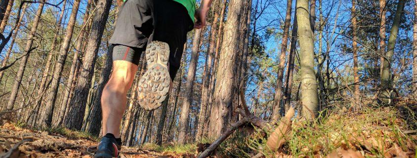 Tekaški copati za trail tek.