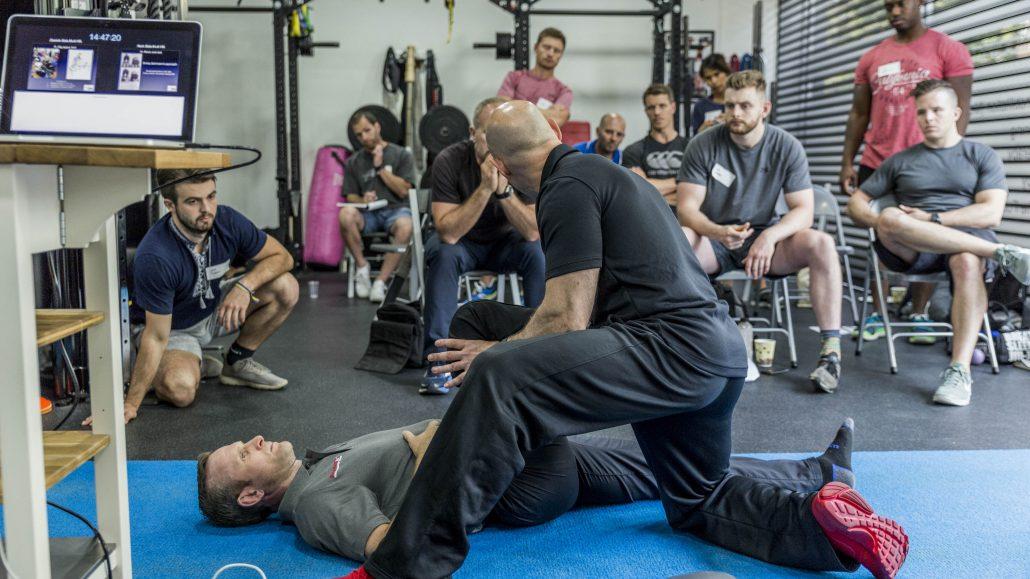 Seminar o odpravljanju bolečin v hrbtu in hrbtenici.